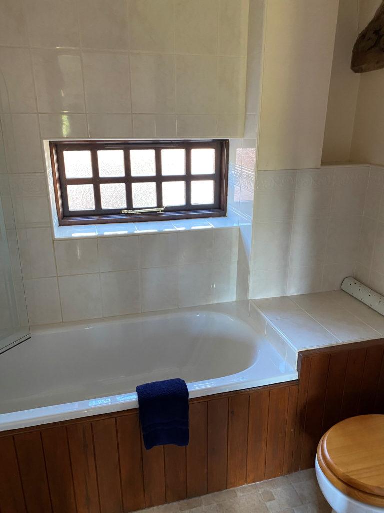 Mill house twin bathroom